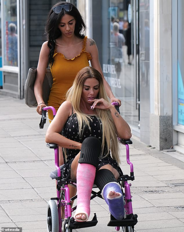 Terrified Katie Price Has Been Warned By Doctors That She Could Lose A Leg Readsector Sport